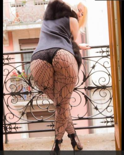Emy new blonde in centre - Escort Luxembourg